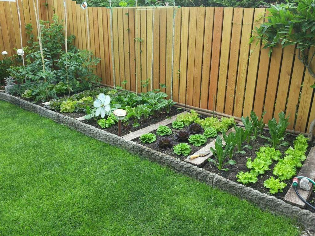 Lovely Flower Garden Design Ideas To Beautify Your Outdoor 17