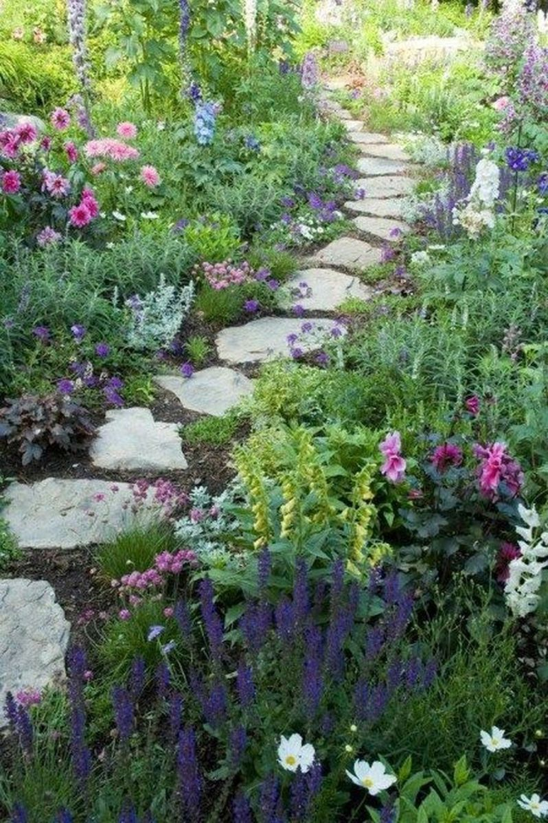 Lovely Flower Garden Design Ideas To Beautify Your Outdoor 19