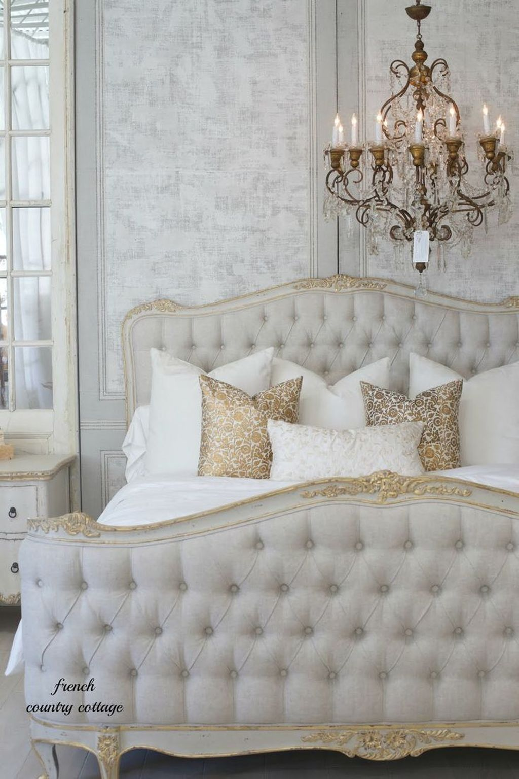 Stunning French Bedroom Decor Ideas That Will Inspire You 20