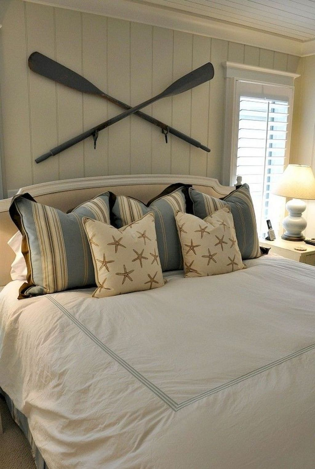 The Best Lake House Bedroom Design And Decor Ideas 29