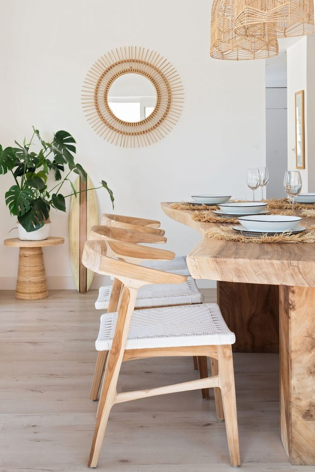 Admirable Dining Chair Design Ideas You Must Have 28