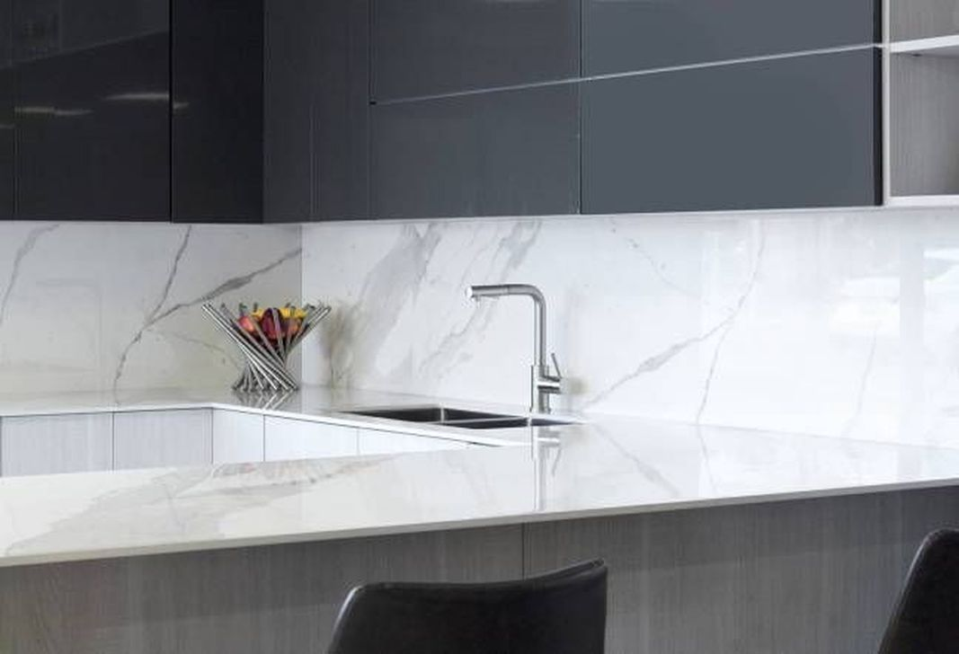 Beautiful Kitchen Design Ideas With Porcelain Slab Countertop 07