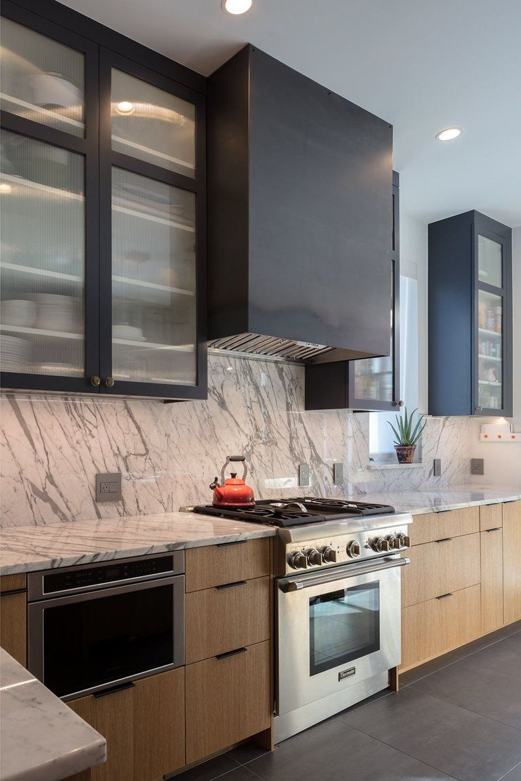 Beautiful Kitchen Design Ideas With Porcelain Slab Countertop 17