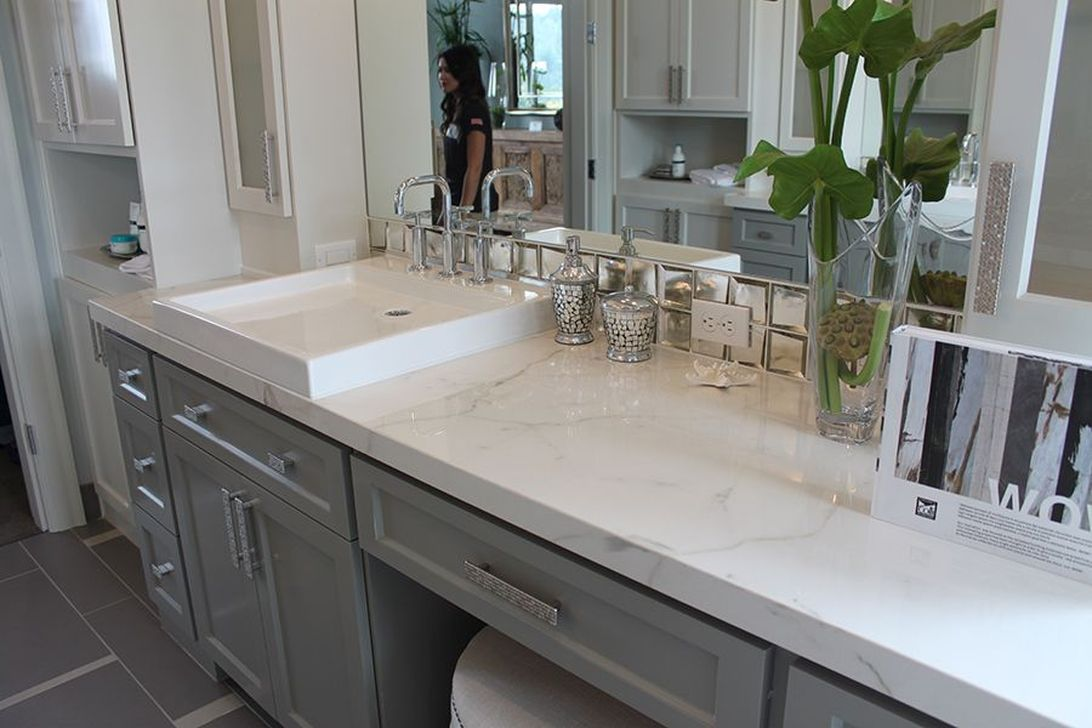 Beautiful Kitchen Design Ideas With Porcelain Slab Countertop 30