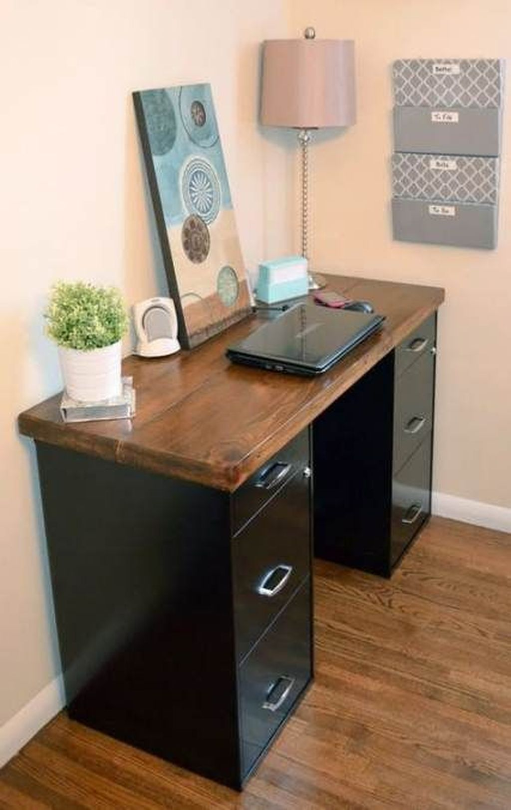 Inspiring Creative Desk Ideas You Must Try 04