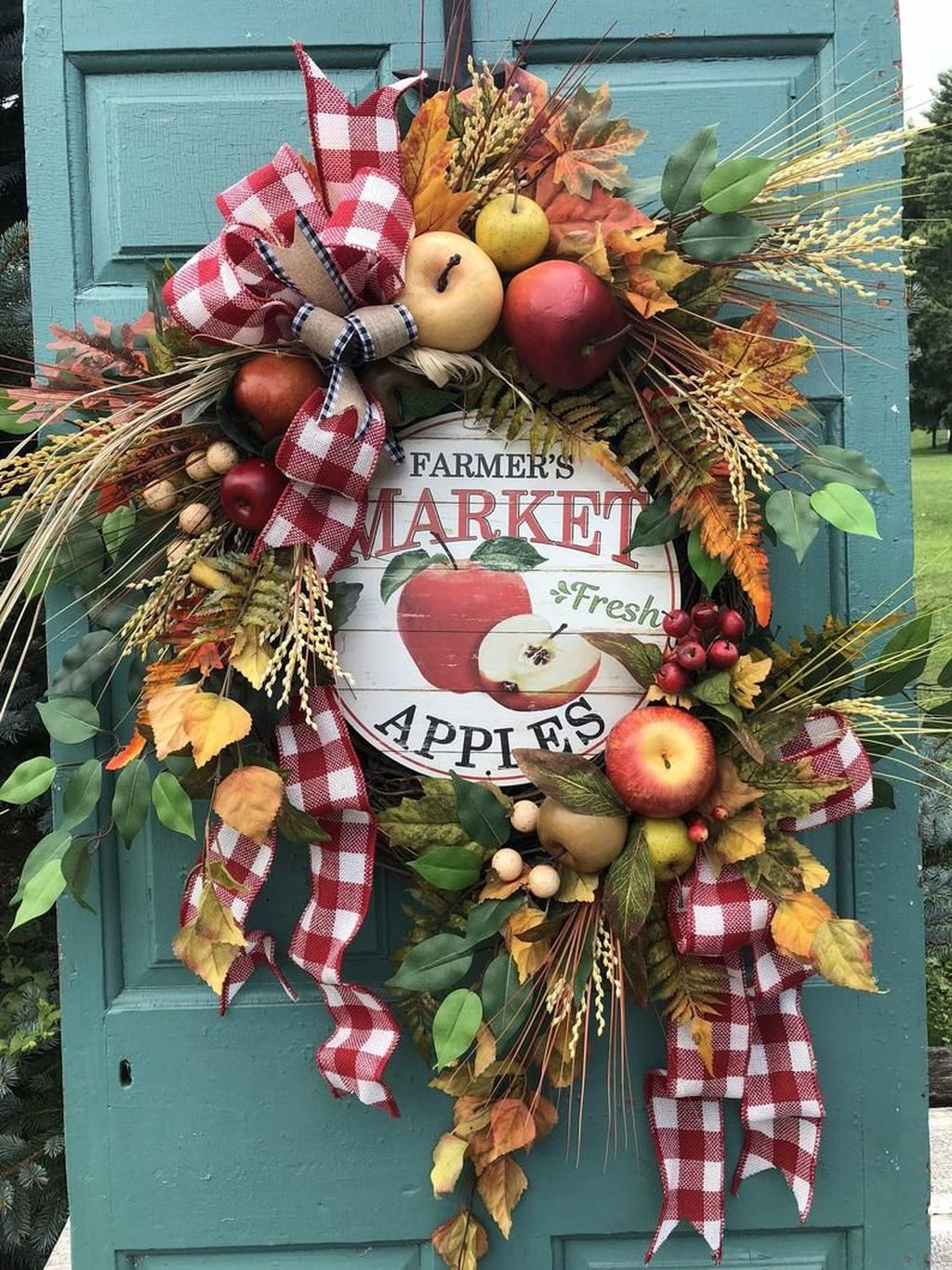 Inspiring Thanksgiving Front Door Decor Ideas 07