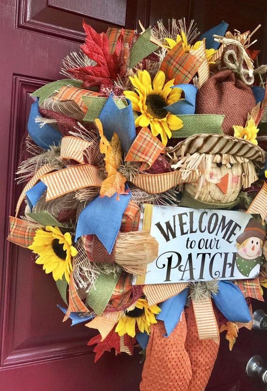Inspiring Thanksgiving Front Door Decor Ideas 15