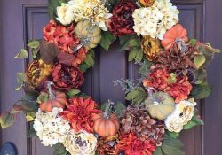 Inspiring Thanksgiving Front Door Decor Ideas 20