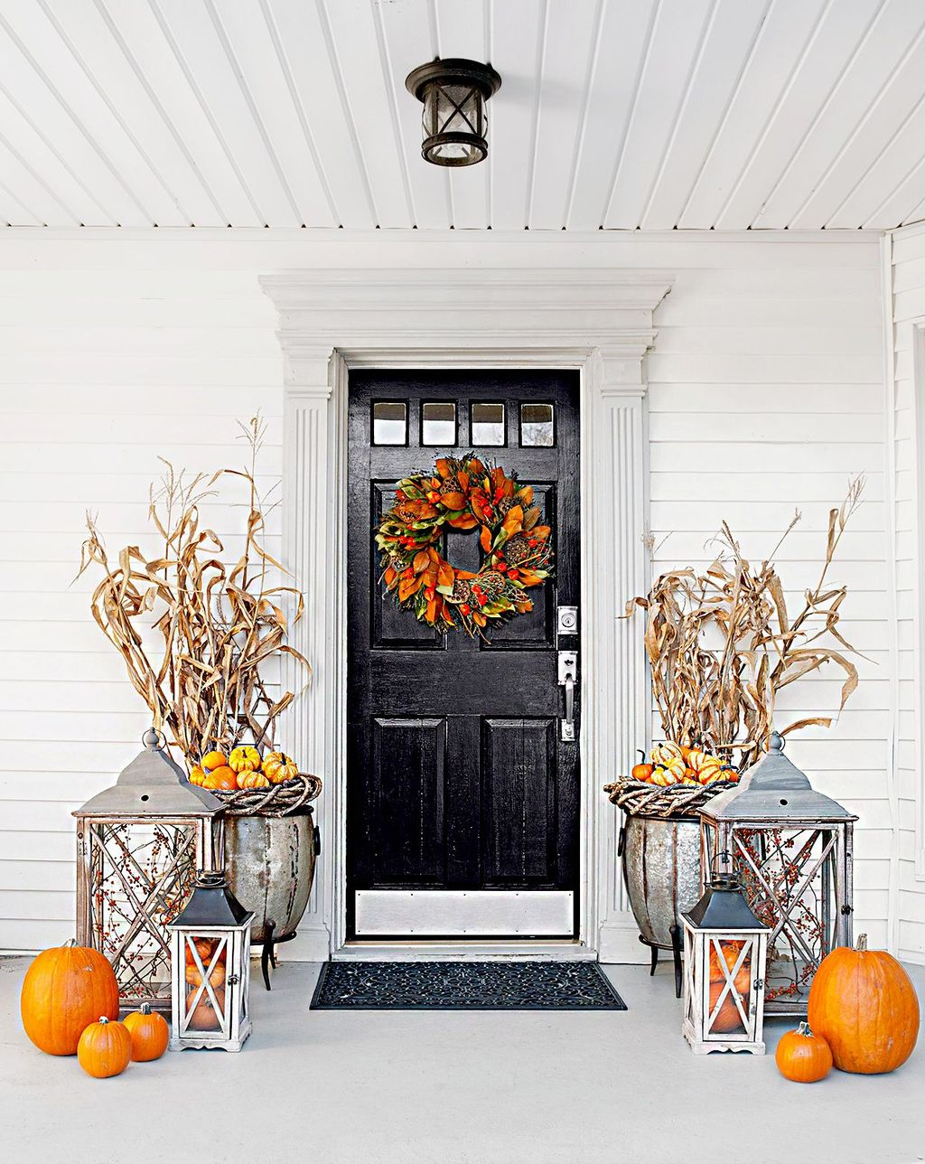 Inspiring Thanksgiving Front Door Decor Ideas 22