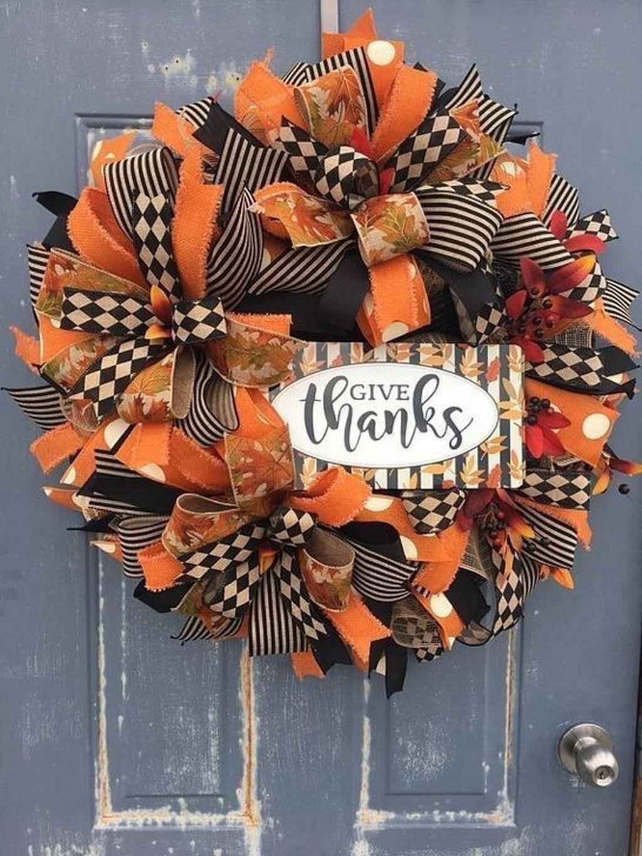 Inspiring Thanksgiving Front Door Decor Ideas 24