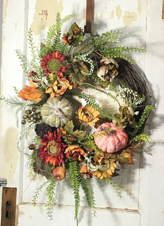 Inspiring Thanksgiving Front Door Decor Ideas 28
