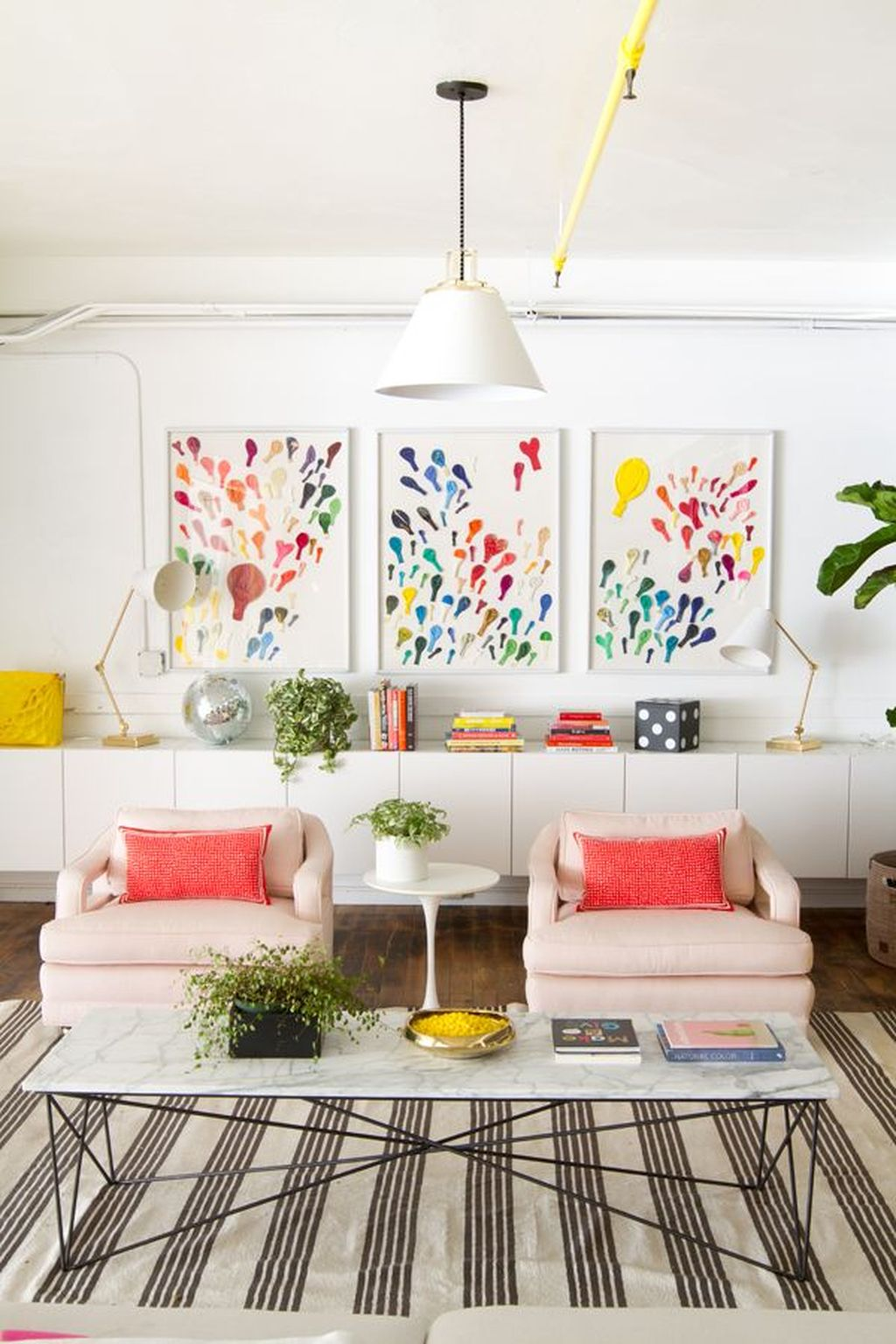 Lovely Colorful Living Room Ideas 12