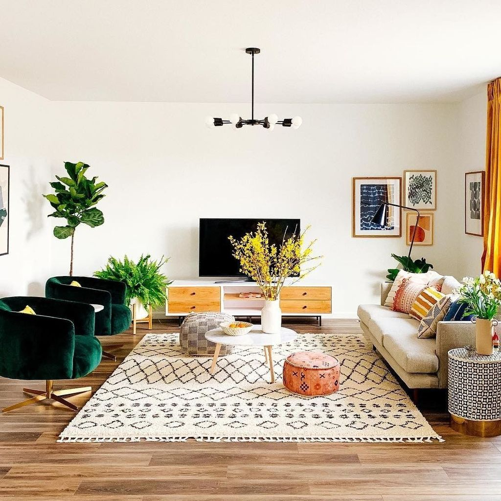 Lovely Colorful Living Room Ideas 16