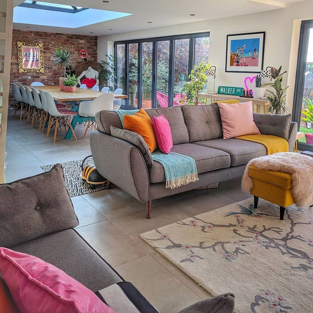 Lovely Colorful Living Room Ideas 23