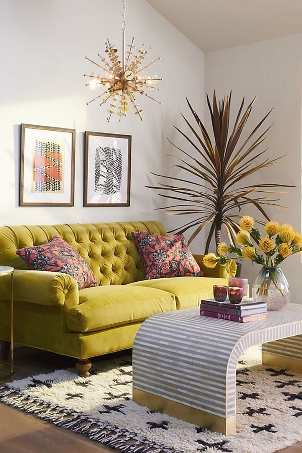 Lovely Colorful Living Room Ideas 25