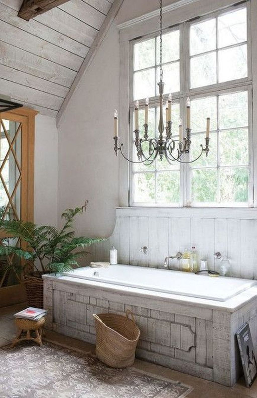 Lovely Relaxing Farmhouse Bathroom Decor Ideas 02