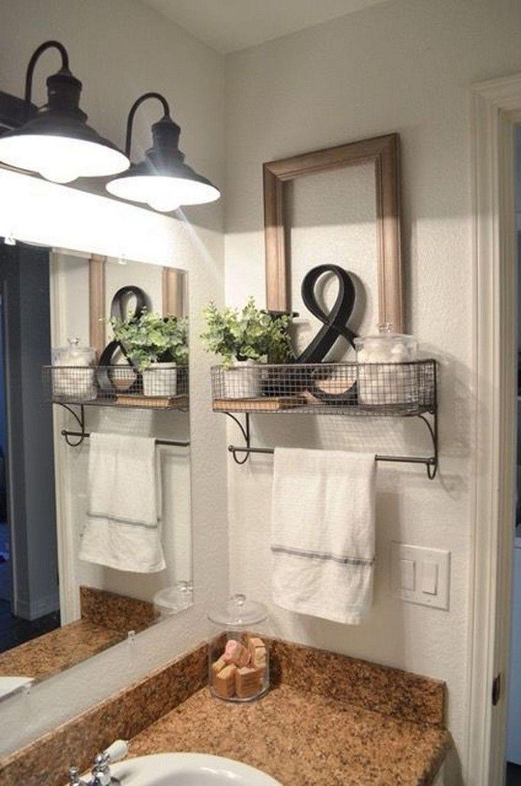 Lovely Relaxing Farmhouse Bathroom Decor Ideas 27