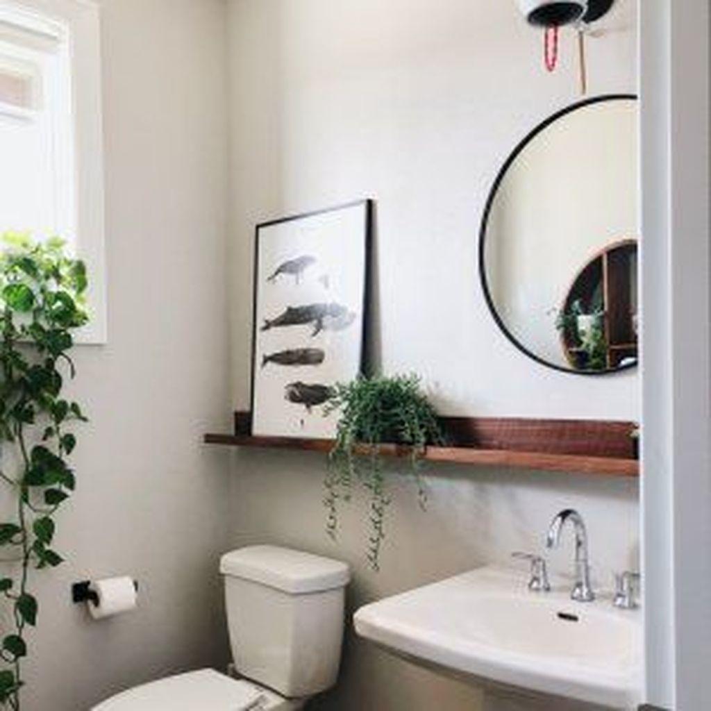 Lovely Relaxing Farmhouse Bathroom Decor Ideas 31