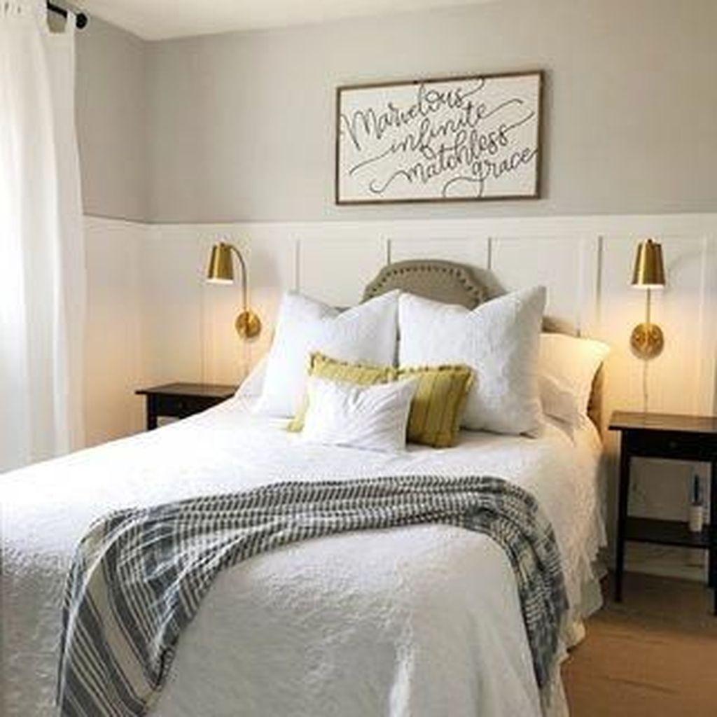 Popular White Master Bedroom Furniture Ideas 11