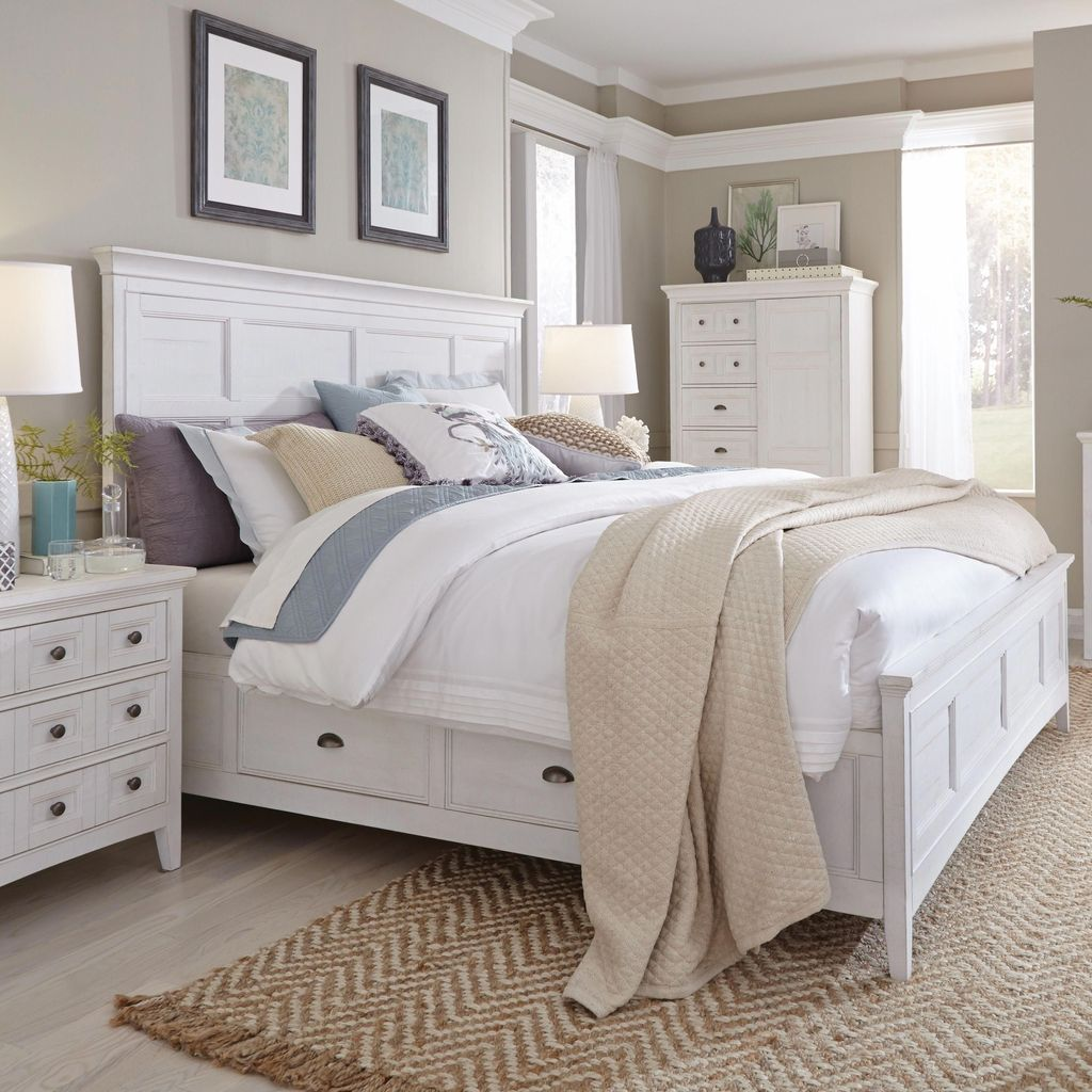 Popular White Master Bedroom Furniture Ideas 19