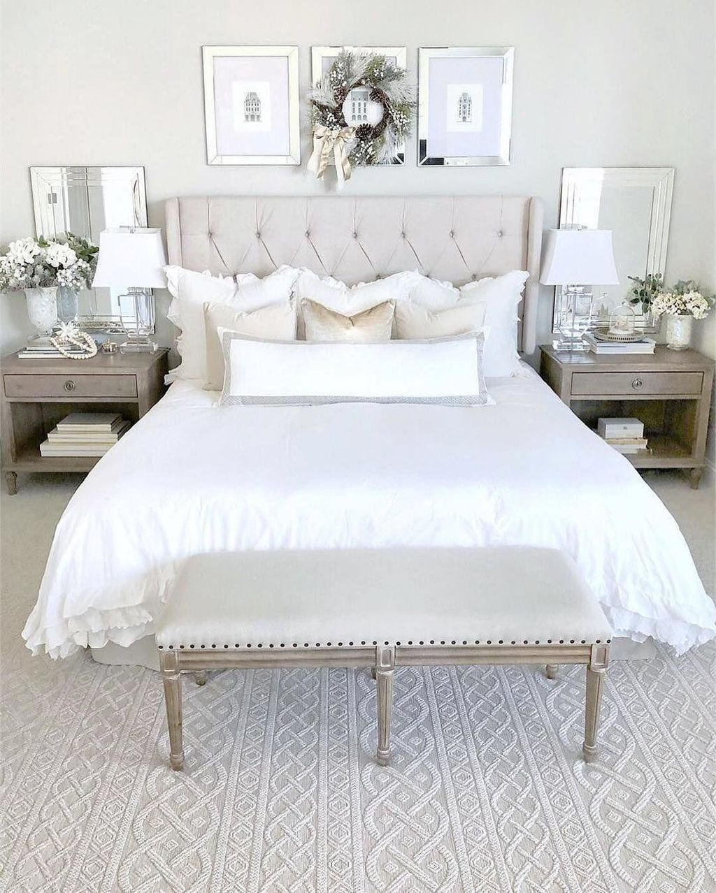 Popular White Master Bedroom Furniture Ideas 27