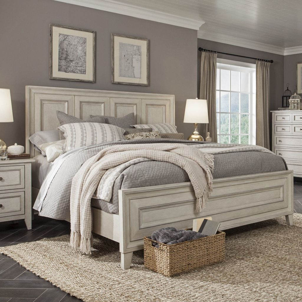 Popular White Master Bedroom Furniture Ideas 32