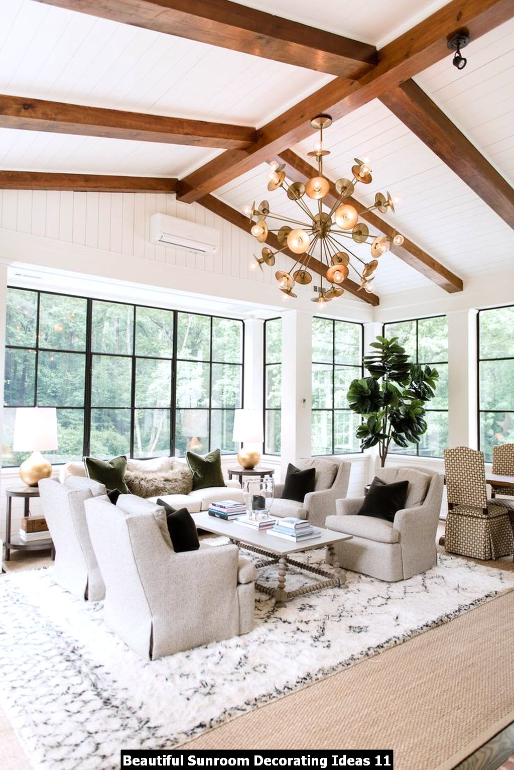 Beautiful Sunroom Decorating Ideas 11