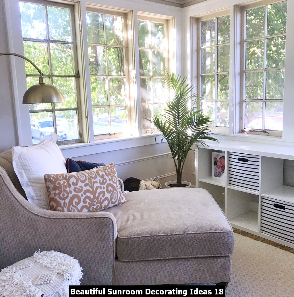 Beautiful Sunroom Decorating Ideas 18