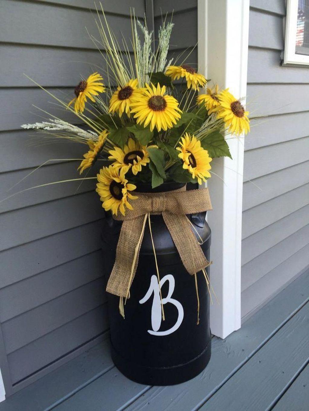 Fabulous Summer Farmhouse Decor Ideas You Will Love 06