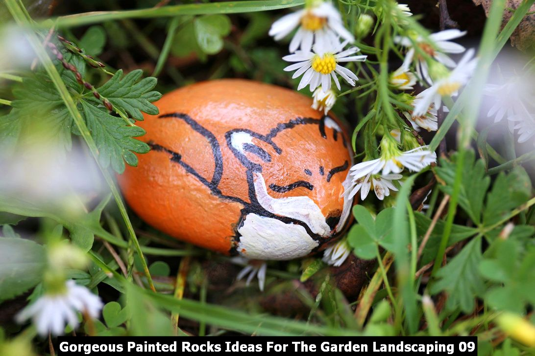 Gorgeous Painted Rocks Ideas For The Garden Landscaping 09