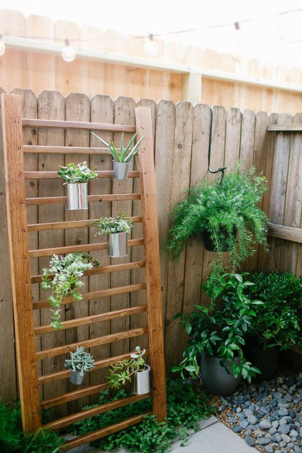 Nice Vertical Garden Wall Decor Ideas Look Beautiful 37