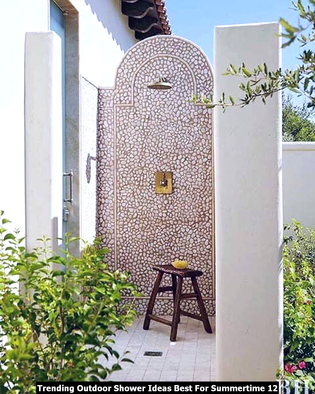 Trending Outdoor Shower Ideas Best For Summertime 12