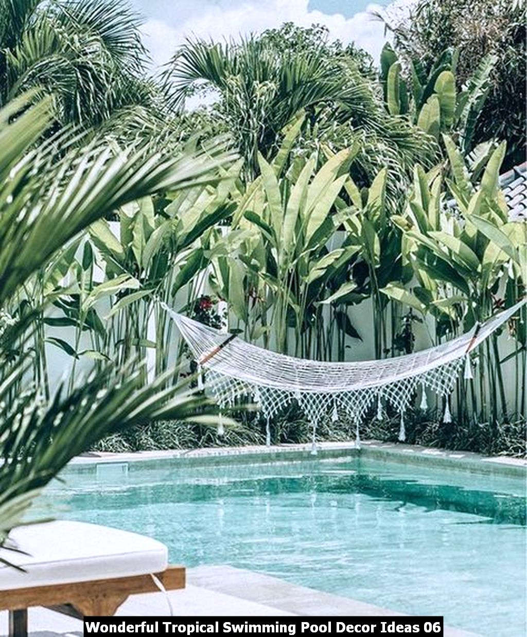Wonderful Tropical Swimming Pool Decor Ideas 06