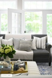 Affordable Living Room Summer Decorating Ideas 31
