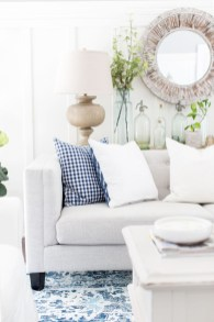 Affordable Living Room Summer Decorating Ideas 39