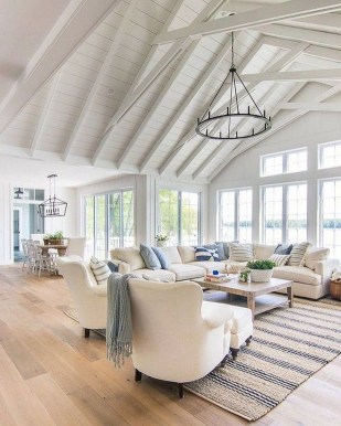 Affordable Living Room Summer Decorating Ideas 42
