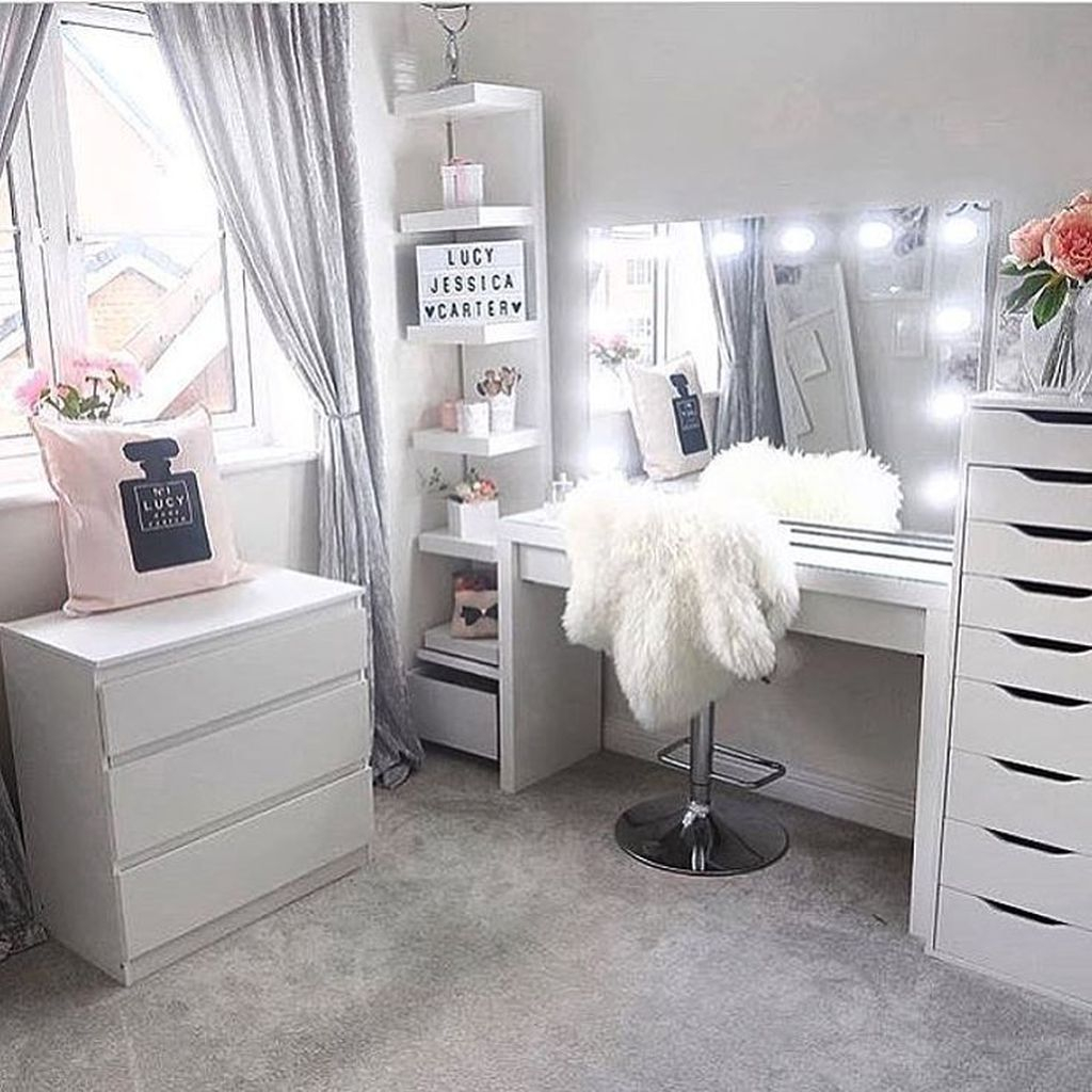 Casual Dressing Table Ideas In Your Room 08