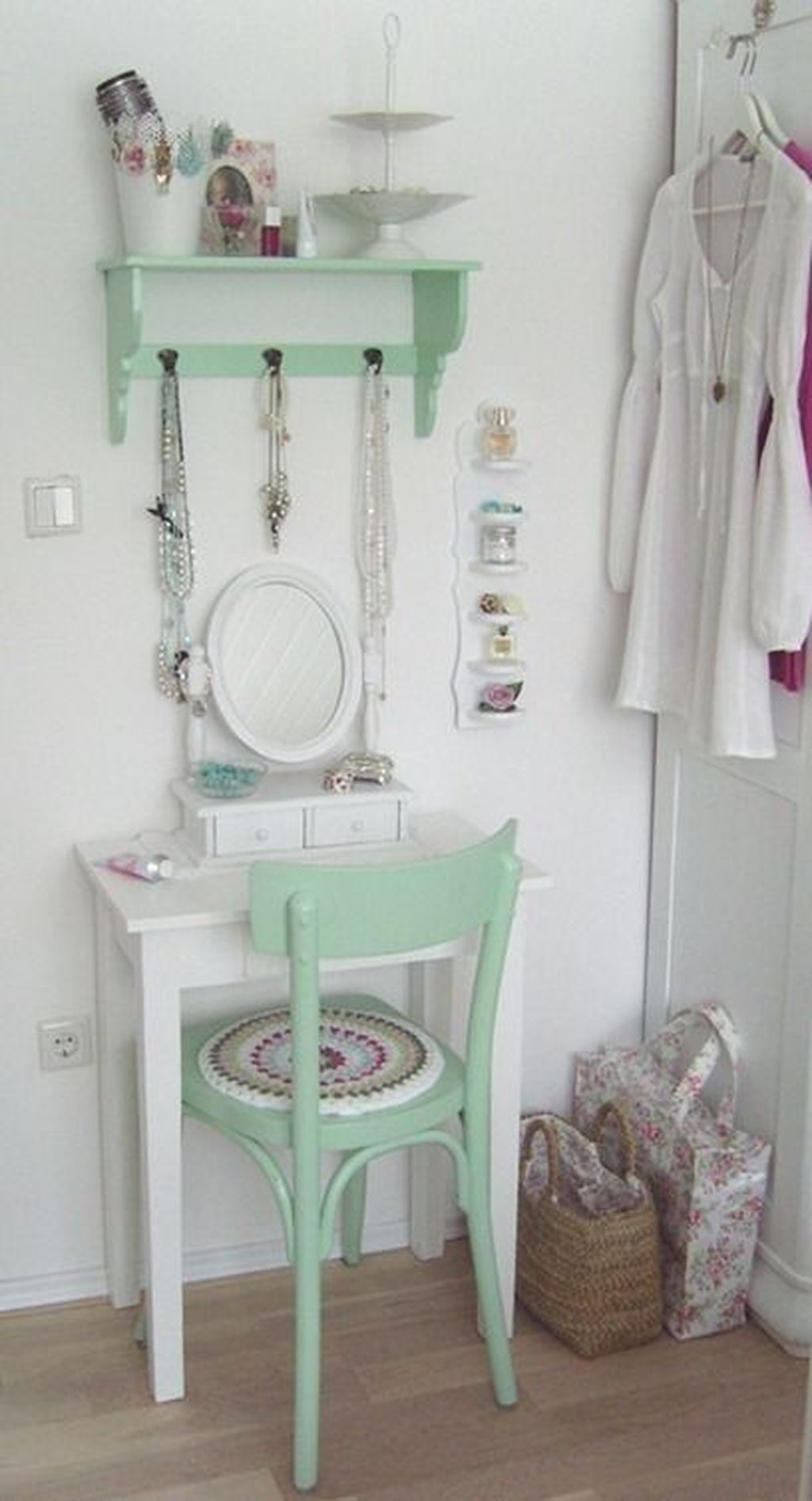 Casual Dressing Table Ideas In Your Room 30