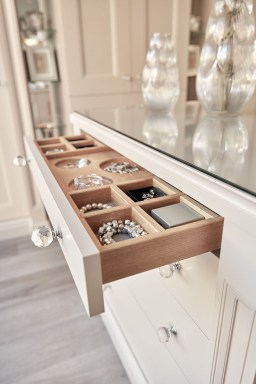Classy Design Ideas An Organised Open Wardrobe 47