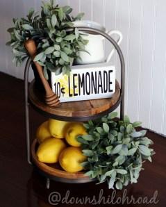 Cute Farmhouse Summer Decor Ideas For Your Inspiration 05