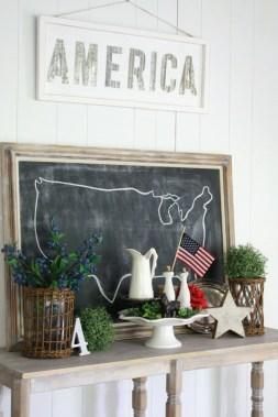 Cute Farmhouse Summer Decor Ideas For Your Inspiration 25