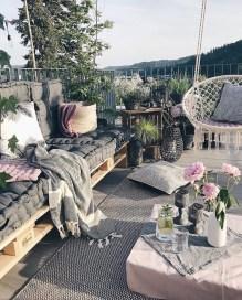 Cute Farmhouse Summer Decor Ideas For Your Inspiration 40