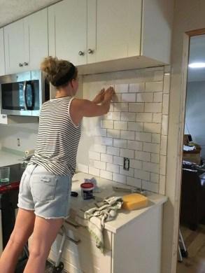 Adorable Kitchen Backsplash Decorating Ideas For This Year 50
