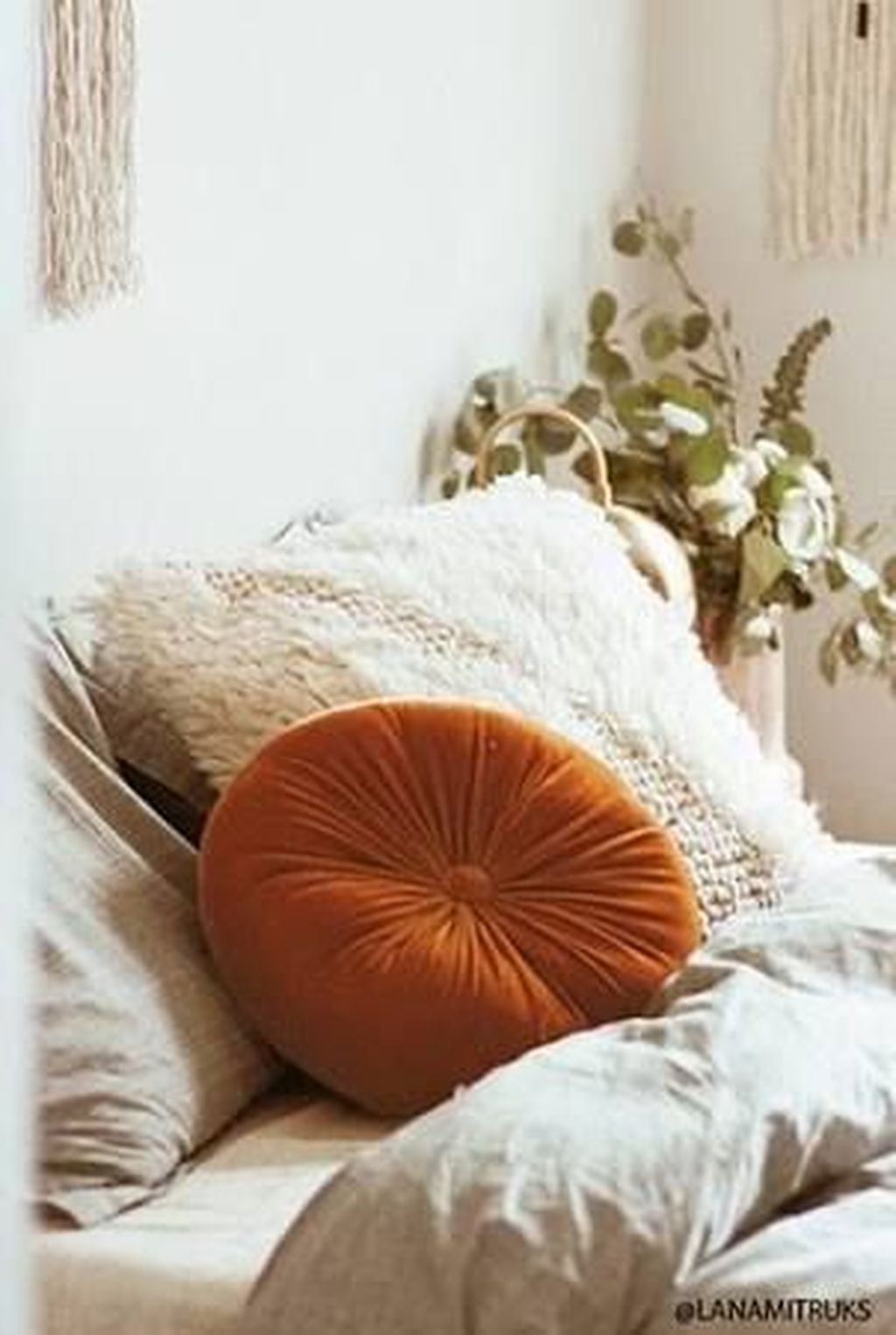 Adorable Pillows Decoration Ideas To Not Miss Today 16