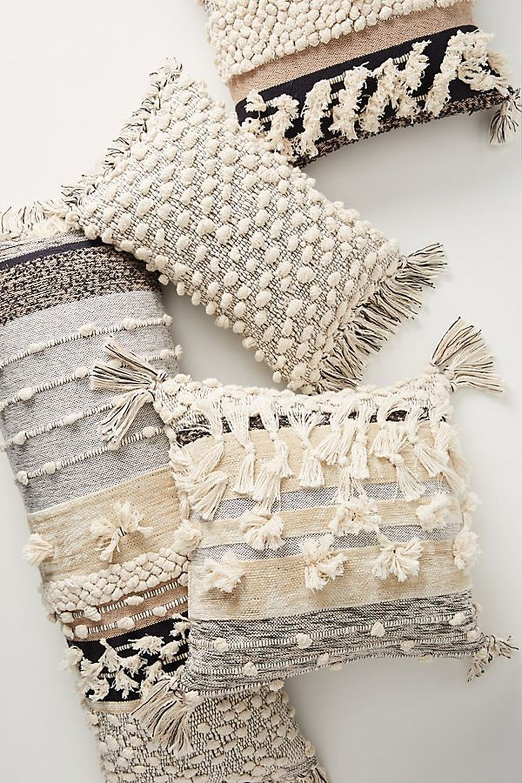 Adorable Pillows Decoration Ideas To Not Miss Today 28