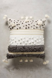 Adorable Pillows Decoration Ideas To Not Miss Today 42