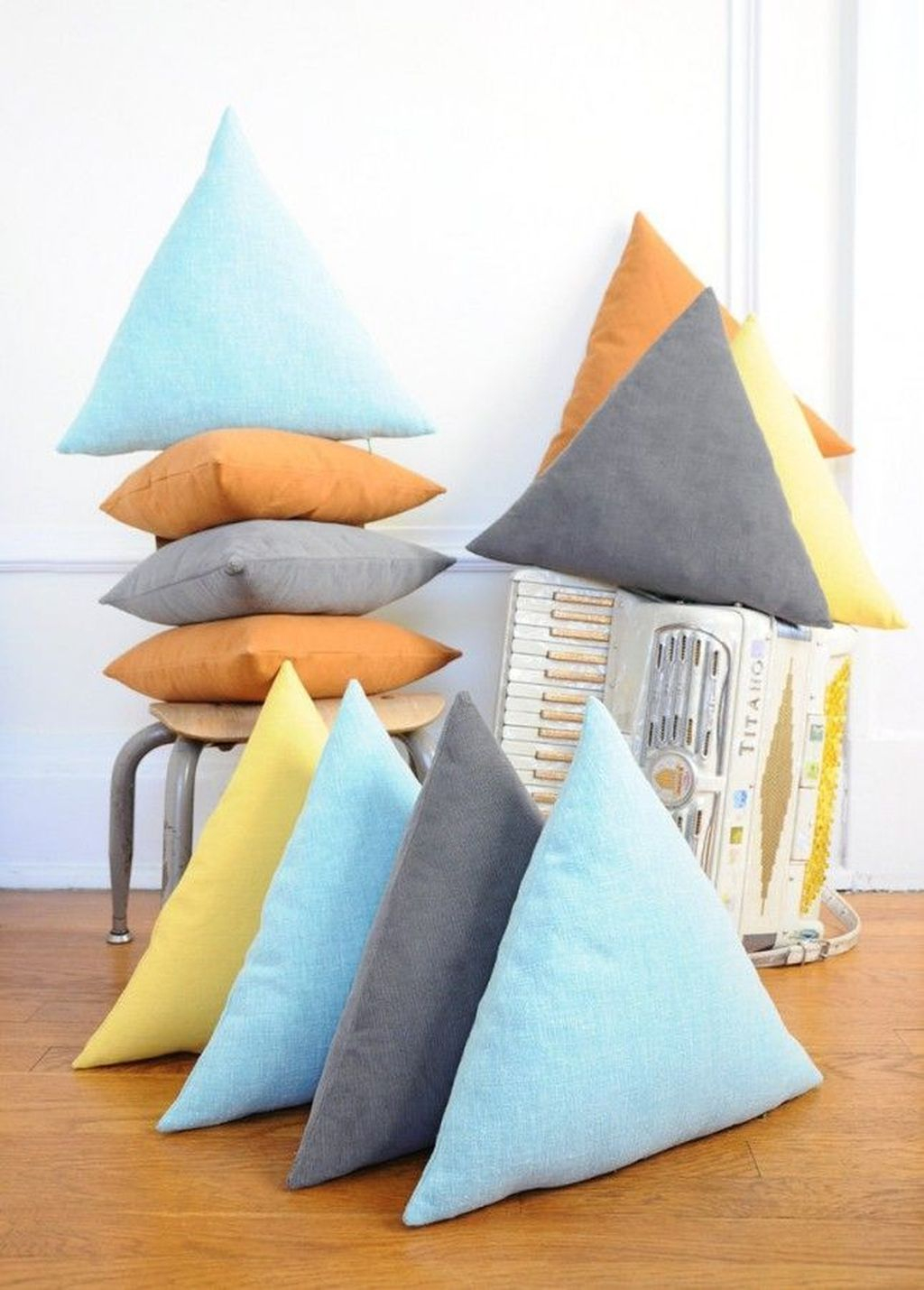 Adorable Pillows Decoration Ideas To Not Miss Today 44