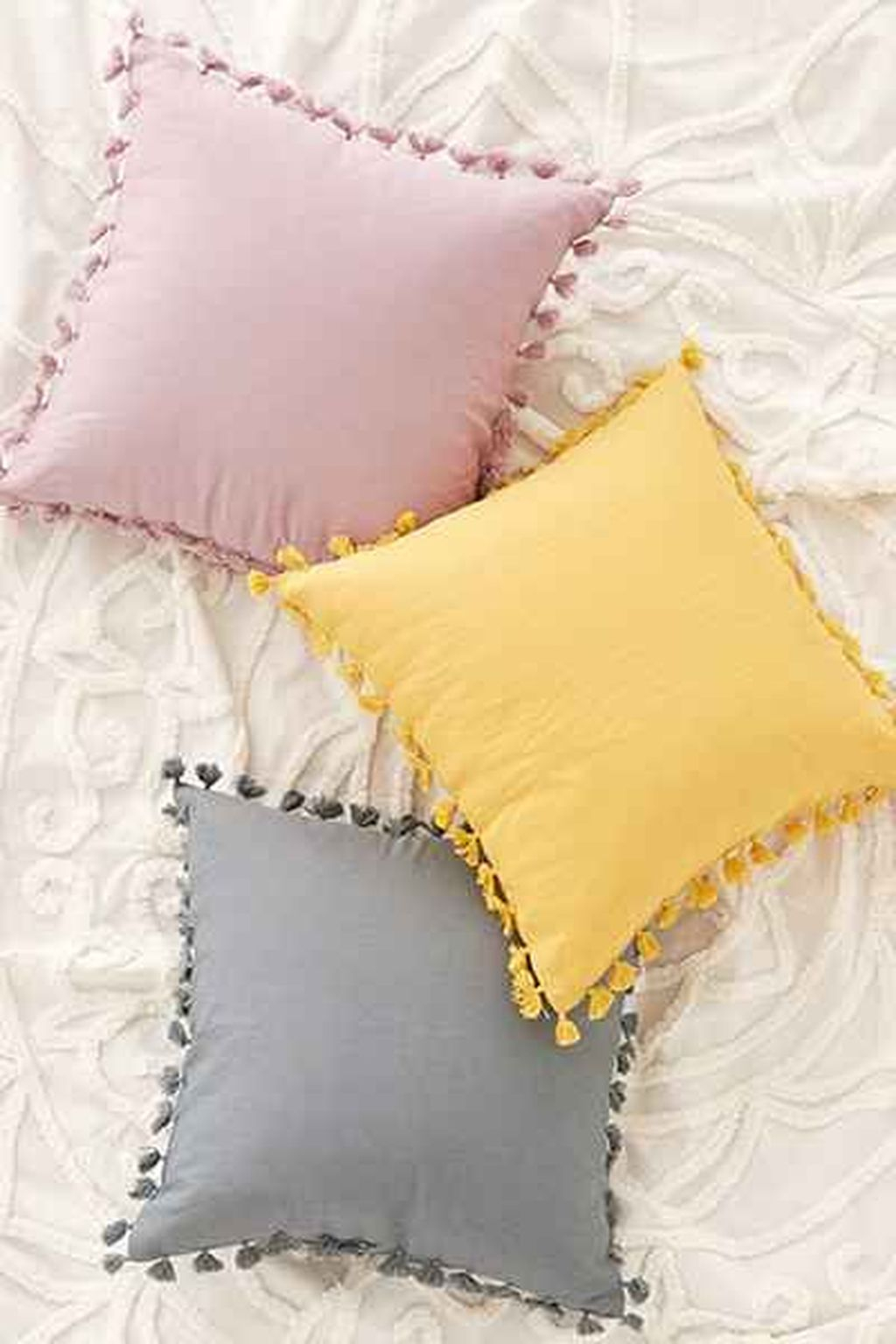 Adorable Pillows Decoration Ideas To Not Miss Today 51