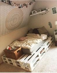 Amazing Bedroom Pallet Design Ideas 27