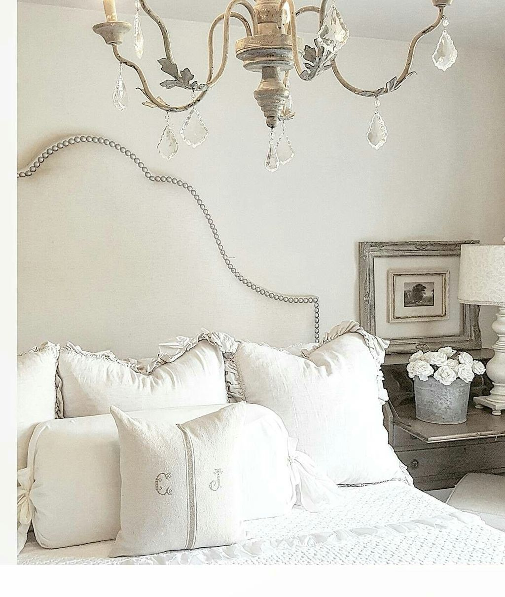 Cool French Country Master Bedroom Design Ideas With Farmhouse Style 29